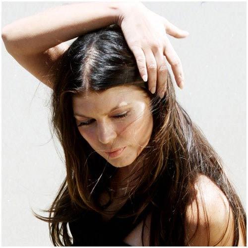 Nhiều người có hành động thích nhổ tóc