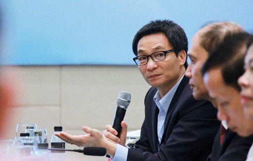 Phó Thủ Tướng Vũ Đức Đam thảo luận trong vấn đề đổi mới đào tạo ngành y