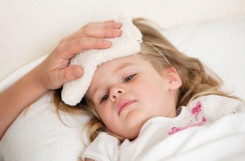 Mẹo hay để mẹ đối phó với cơn sốt vào ban đêm cho trẻ?
