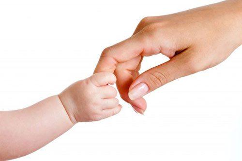 Các bệnh truyền nhiễm trong thai kỳ có thể lây từ mẹ sang bé