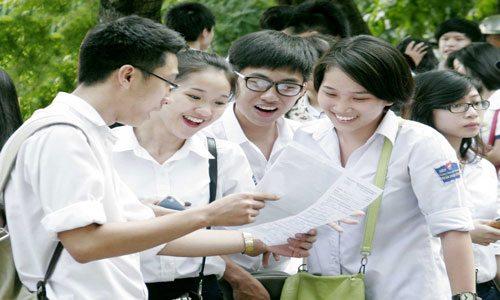 Học Đại học hay Cao đẳng là lựa chọn khó khăn của nhiều bạn học sinh