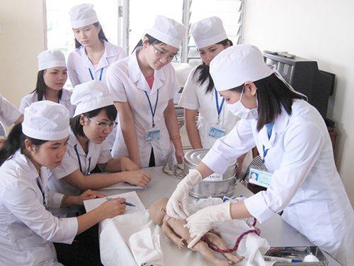 Trung cấp y là lựa chọn của một học sinh THPT quốc gia