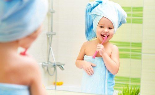 Làm thế nào để bé có thói quen thích đánh răng?