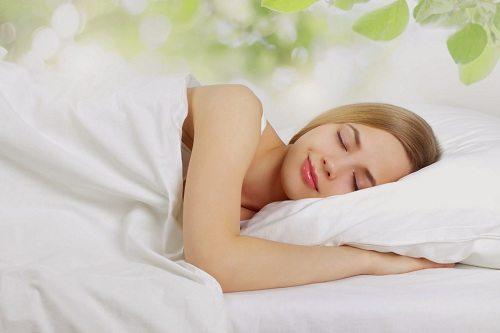 Ngâm chân bằng thuốc bắc giúp bạn có giấc ngủ ngon