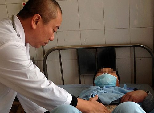 Người thầy thuốc 20 năm gắn bó với bệnh nhân HIV