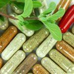 Uống thuốc Đông Y và Tây y cùng lúc cần sự cho phép của bác sĩ