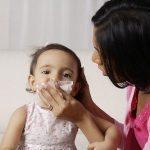Viêm đường hô hấp là bệnh thường gặp ở trẻ khi giao mùa