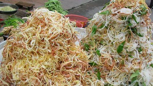 Nõn chuối và bắp chuối chứa rất nhiều chất xơ có tác dụng giúp cơ thể đào thải độc tố
