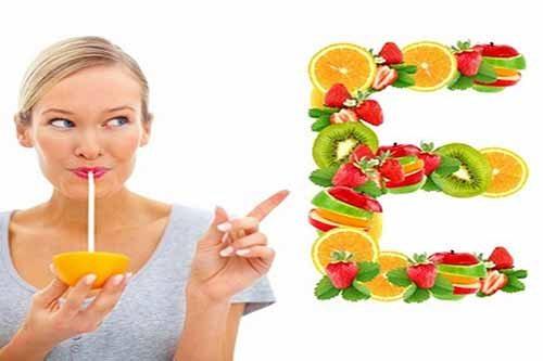 Có thể bổ sung Vitamin E tự nhiên bằng rau của quả trong món ăn hàng ngày