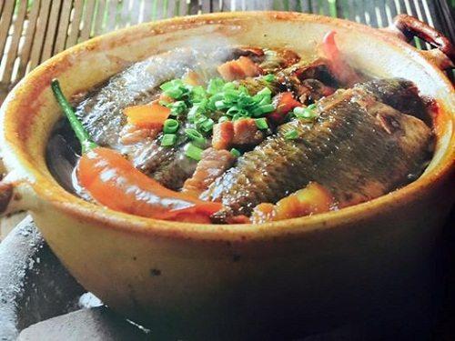 Cá rô kho lá lốt rất tốt cho người kém ăn, bị lạnh