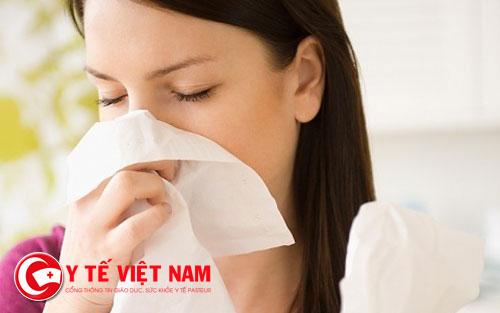 Chảy mũi là hiện tượng của viêm xoang