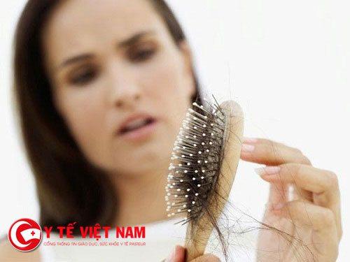 Khi nào thì phải chữa trị rụng tóc?