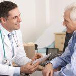 các bác sĩ tùy vào tình trạng bệnh của mỗi người để có tư vấn về cách điều trị riêng.