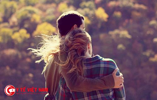 Đằng sau sự ngọt ngào của nụ hôn là những nguy hiểm về bệnh tật