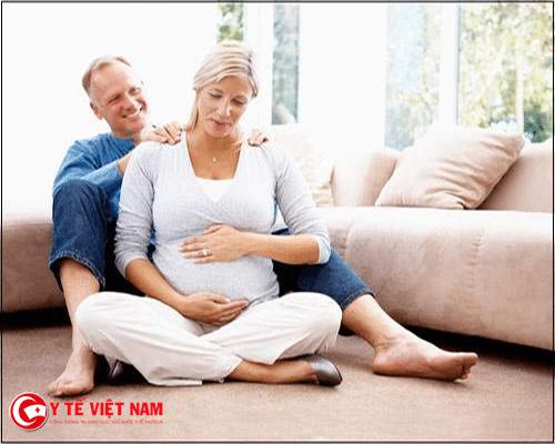 Mẹ bầu còn có thể bị đau lưng và đau vai khi có dấu hiệu tiền sản giật