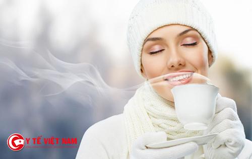 Sử dụng một số loại đồ uống ấm giúp bạn cải thiện tình trạng đau họng