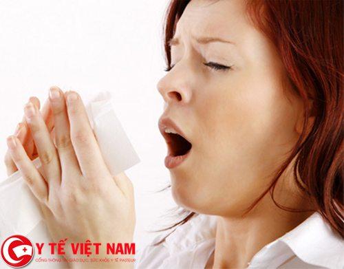 Việc điều trị bệnh viêm mũi dị ứng cần phải tuân theo bác sĩ chuyên khoa