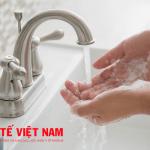 Rửa tay phòng bệnh đau mắt đỏ