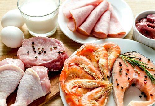 Thay đổi chế độ ăn uống, cung cấp nhiều thức ăn dinh dưỡng cho cơ thể