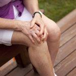 Thoái hóa khớp thường gặp ở tuổi trung niên từ 40 trở lên