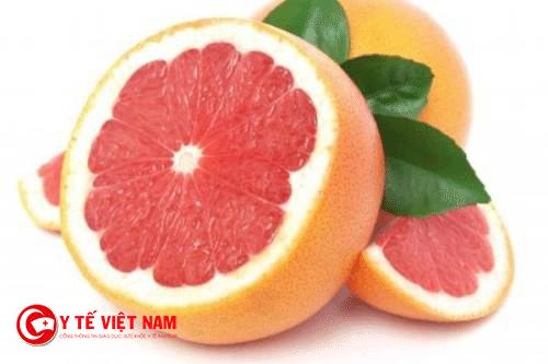 Bưởi là trái cây có nhiều vitamin C rất tốt cho sức khỏe mẹ và bé