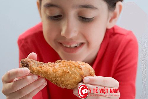 Thức ăn nhanh rất có sức hút đối với trẻ