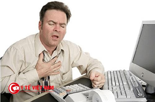 Suýt tử vong vì uống thuốc hạ huyết áp sau khi uống rượu bia