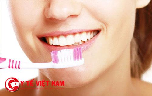 Dù đánh răng nhưng trong khoang miệng vẫn tồn tại vi khuẩn gây bệnh