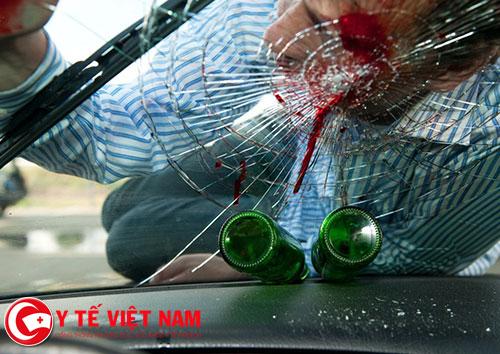 Nhiều tai nạn xảy ra khi người uống rượu không làm chủ tay lái