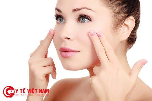Mát xa mặt thường xuyên giúp bạn căng da mặt hiệu quả