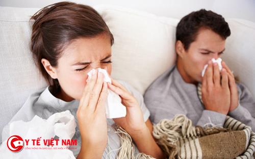 Có rất nhiều nguyên nhân gây ra bệnh viêm đường hô hấp trên
