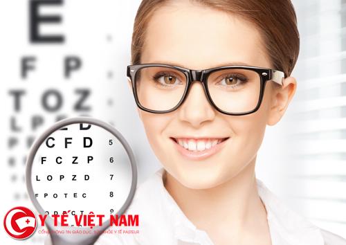 Bị cận thị có nên mổ mắt hay không ? là câu hỏi nhiều người quan tâm.