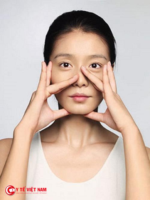 Massage là cách nâng mũi mà nhiều chị em lựa chọn