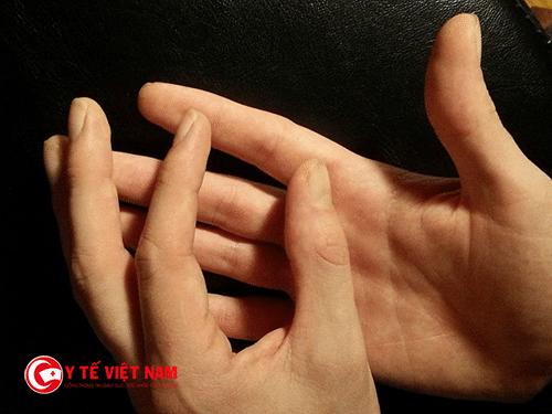 Đau cổ và dây chẳng cũng được chữa khỏi bằng bấm huyệt