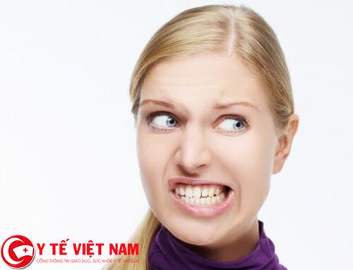 nguyen-nhan-nao-gay-ra-benh-nghien-rang