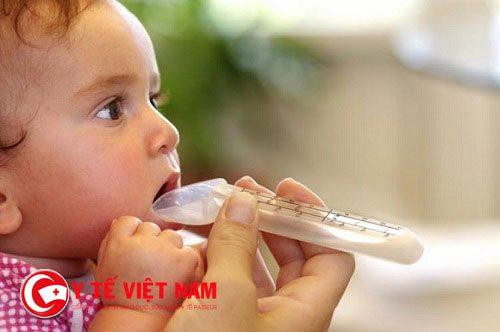 Cha mẹ cần làm gì khi trẻ bị viêm thanh quản?