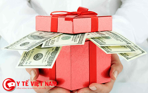 tiết kiệm là bí quyết để tiền bạc không phá hỏng hạnh phúc hôn nhân.