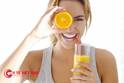 Cam vừa là thức uống bổ dưỡng lại có thể giúp bạn chăm sóc da mặt