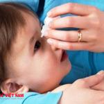 Đau mắt đỏ ở trẻ nên được điều trị bằng phương pháp khoa học