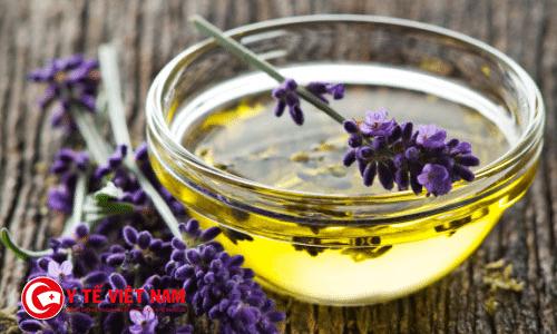 Dầu hoa oải hương cũng là phương pháp trị rạn da sau sinh
