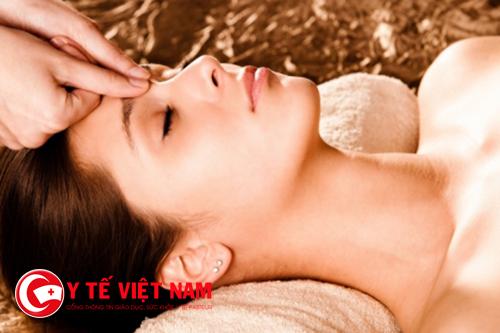 Trên da mặt có một số huyệt nếu biết cách bấm có thể chữa bệnh
