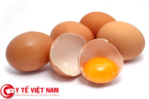 Người bị ung thư cổ tử cung nên ăn trứng