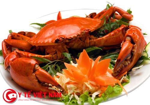 Người bị bệnh viêm da dị ứng nên tránh xa các loại hải sản
