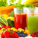 Người bệnh viêm phổi nên uống nước hoa quả