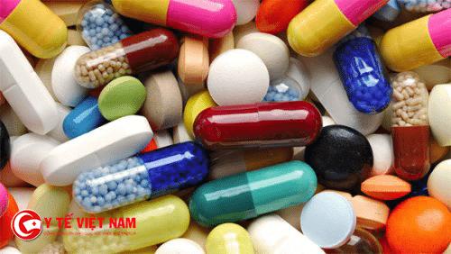 Điều trị bệnh viêm da dị ứng tiếp xúc thường dùng kháng sinh và kháng viêm