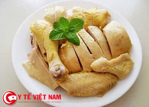 Thịt gà người bệnh mụn cóc không nên ăn