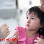 Bệnh nhân bị sốt không nên tiêm phòng thủy đậu