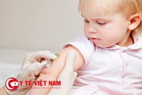 Cần cho trẻ tiêm phòng thủy đậu để tránh mắc căn bệnh này