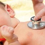 Trẻ sơ sinh có thể bị viêm phổi khi sinh ra