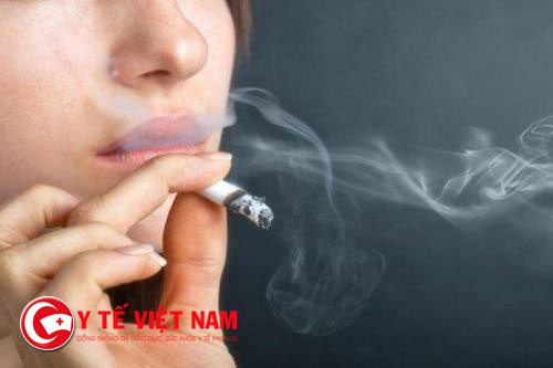Viêm thanh quản bị viêm do tác động hút thuốc lá